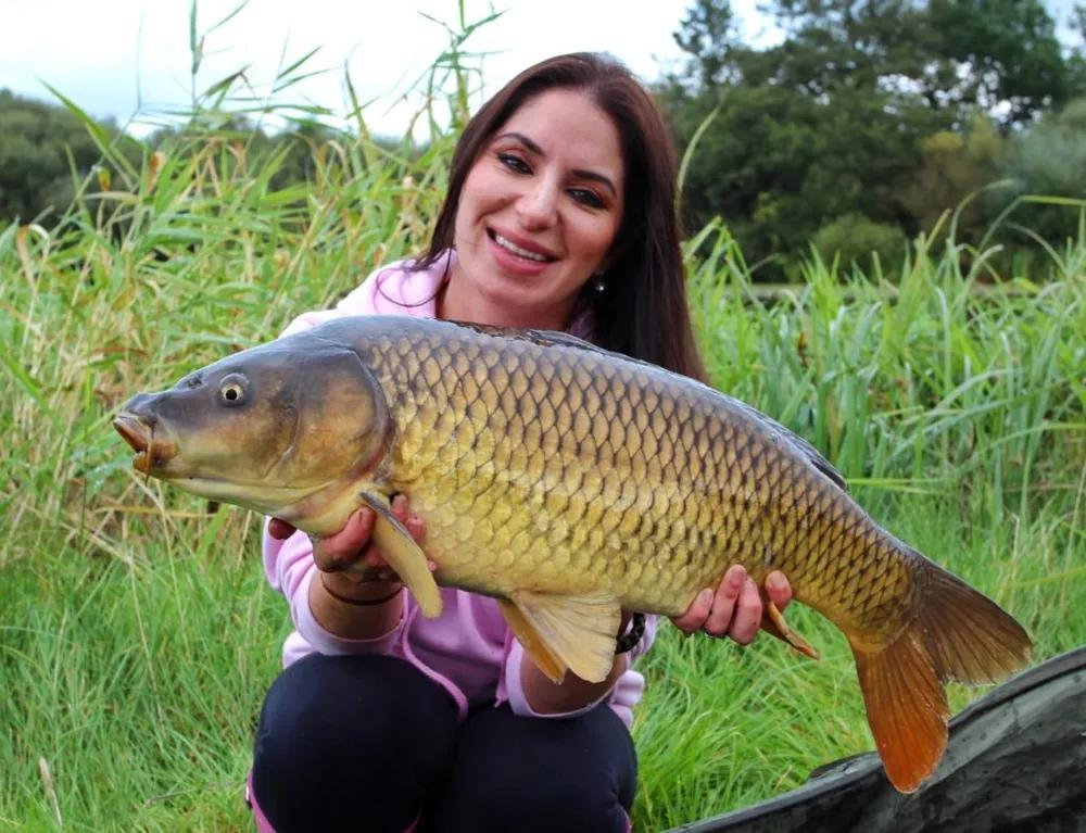 Arezue Wright- Float Fishing For Carp