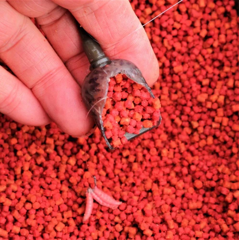 Dave Coster's How To- Fool Cold Water Fish With A Pellet Feeder
