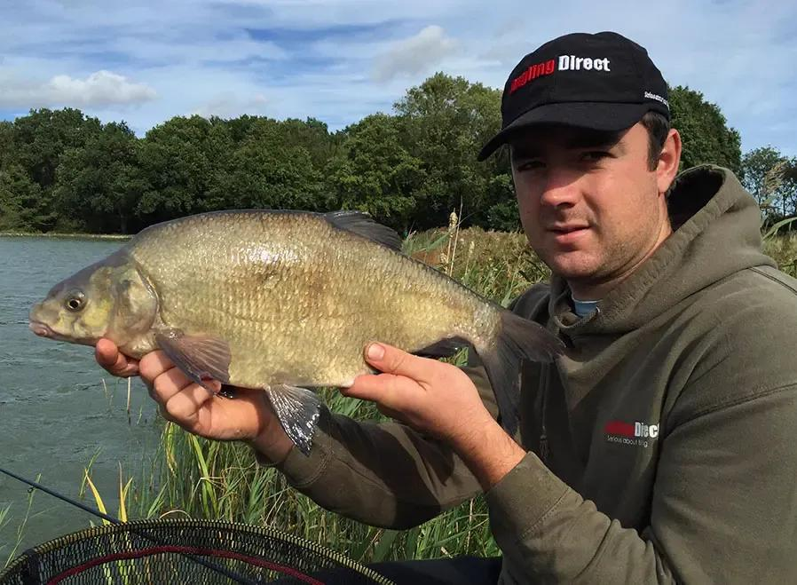 How to Catch Bream; Bait, Tackle, Rigs - Beginner's Guide