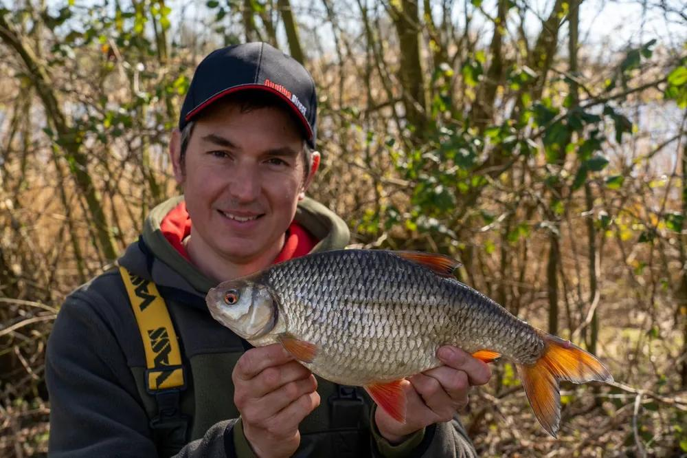 Winter Gravel Pit Roach – Phil Spinks